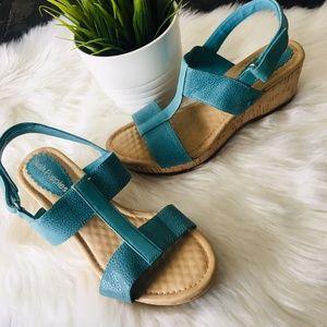 HUSH PUPPIES Blue Jada Faris Leather Sandals 7 NEW